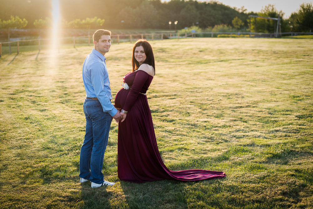 maternity session outdoor mum to be photographer brussels adina felea portfolio